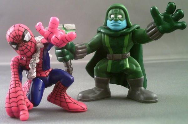 Marvel Super Hero Squad SPIDER-MAN Web Backpack /& Camera from Wave 20 Ronan