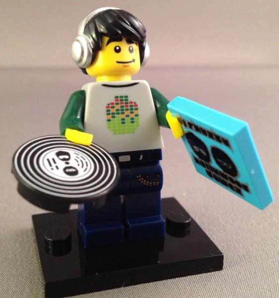 DJ NEW LEGO MINIFIGURES SERIES 8 8833